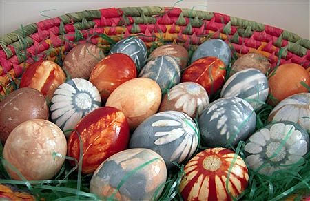 Natural Dyed Easter Eggs with Plant Designs