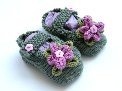 Knitted Baby Slippers by Ceradka
