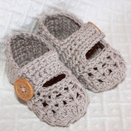 One Strap Baby Booties by Monpetitviolon